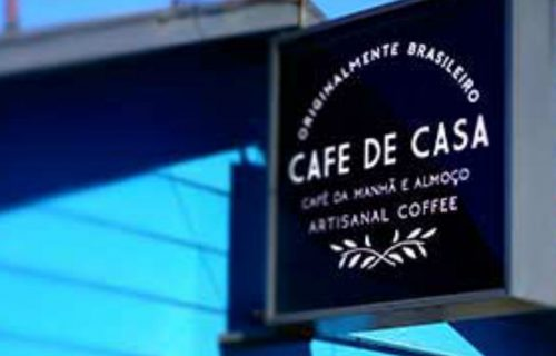 cafe-de-casa-outside-sign
